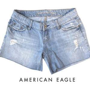 American Eagle Light Wash Distressed Cut Off Jeans